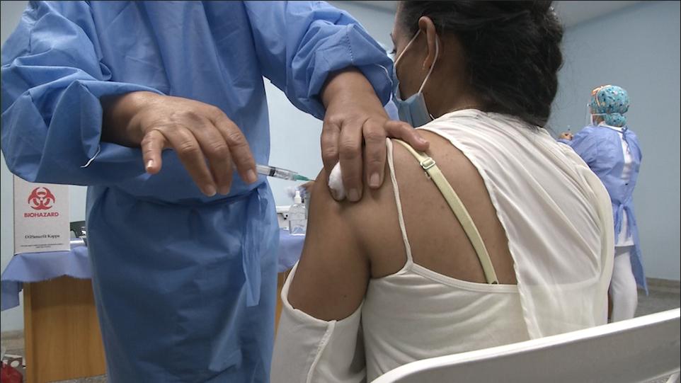 Médicos carabobeños reciben segunda dosis de Sputnik V